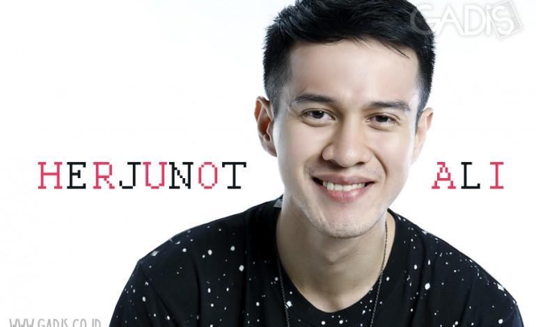 Profil : Herjunot Ali