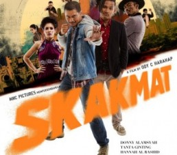 Review : Skakmat